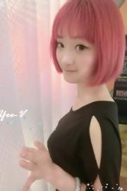 Yee-V一个美丽的女生