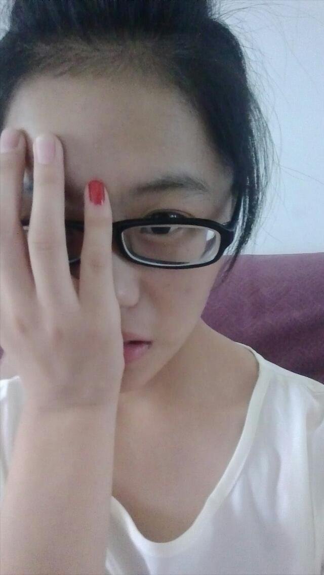 自拍图片 女生自拍 → 眼镜女孩